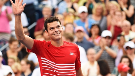 Milos Raonic of Canada acknowledges the crowd after defeating Yen-Hsun Lu of Taiwan during second-round Rogers Cup action in Toronto on Wednesday.